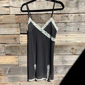 🌻Victoria's Secret Black  Sheer Mesh Lace Slip Dress Nighty Chemise Size Large